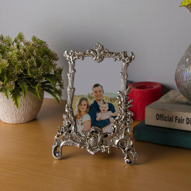 Classic Base Metal Photoframe