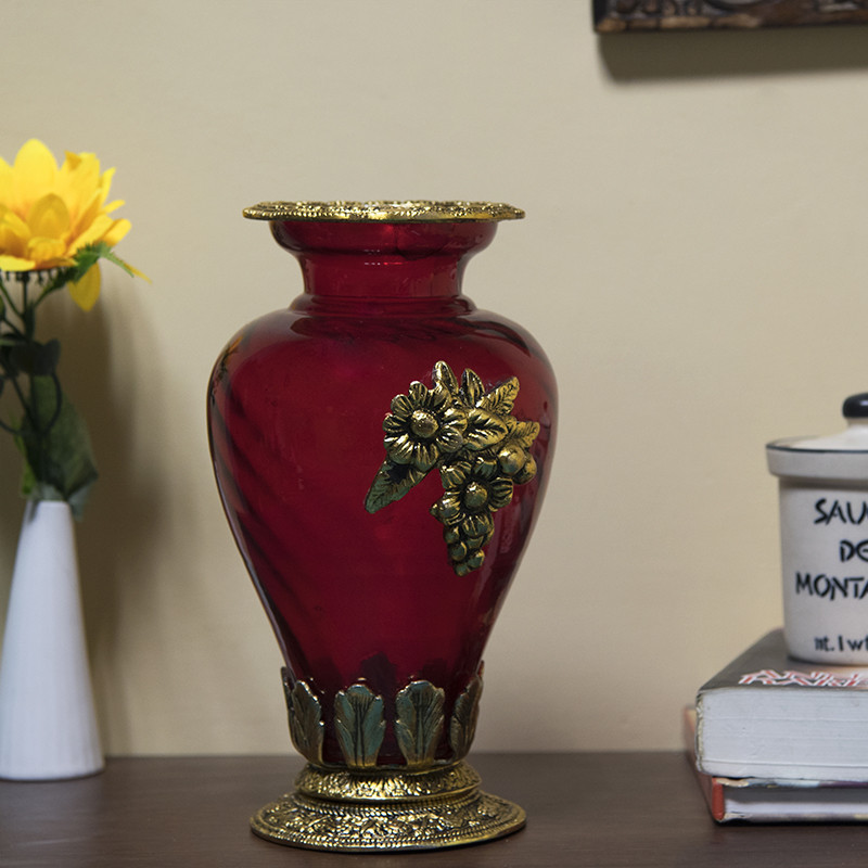 Golden Flower Pot Large with Antique Grapevine Brooch Red